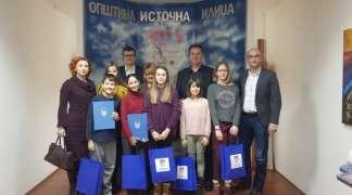 Božović i Ćosović upriličili prijem za osnovce povodom Dana Republike