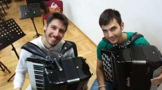 Nikšićani uživali u koncertu Stefana Ćehe i Alekse Mirkovića