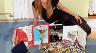 Zlatna kikbokserka - sportista za primjer