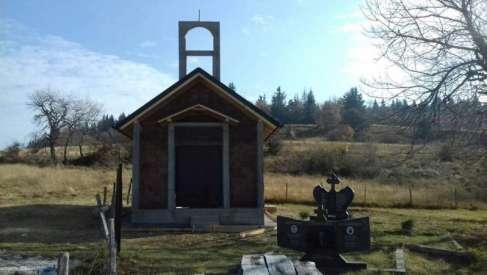 Srbi iz dijaspore podižu spomen-kapelu u selu Čemerno