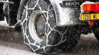 Obavezna upotreba lanaca za teretna vozila preko Romanije