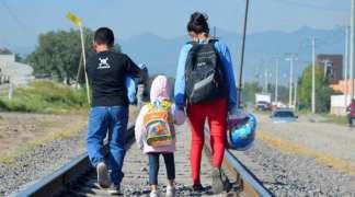 Oko 50.000 migranata pred bh. granicom