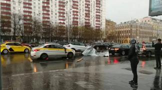 Snažno nevrijeme pogodilo Moskvu, poginula jedna djevojčica