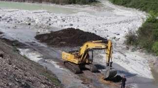 Mrlja iz rijeke Spreče stigla do Doboja, vidljive i mrtve ribe