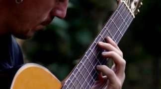 Priča o Nitro Acousticu, virtuozu na gitari