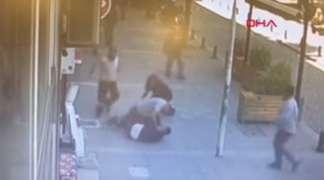 Tukao bivšu ženu na ulici, pa ga prolaznik nokautirao (VIDEO)
