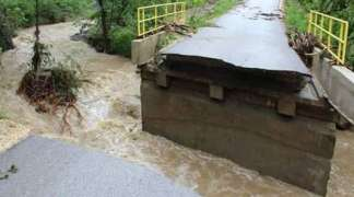 Nevrijeme širom BiH, poplavljene kuće, prekinuti putni pravci