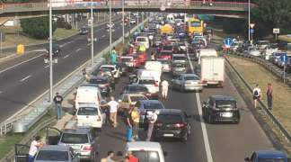 Protest vozača u Srbiji: Cijene goriva blokirale ulice