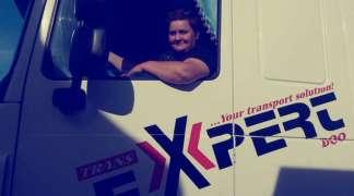 Samohrana majka za volanom kamiona