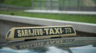 Sarajevski taksista izbacio majku i autističnog dječaka iz vozila