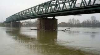 Rijeka Sava u porastu, redovna odbrana od poplava na Sani i Uni