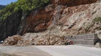 Više od mjesec dana usporen saobraćaj kod Sijeračkih stijena!
