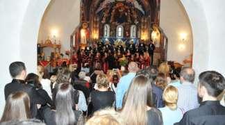 Održan Vidovdanski koncert horske muzike u hramu Svetog Varnave