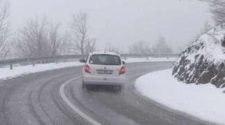 Oprez vozačima zbog snijega i poledice na planinskim prevojima