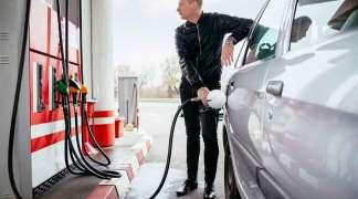 Visoke cijene goriva u Srbiji vozače tjeraju da sipaju u Republici Srpskoj