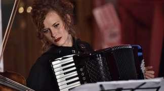 Vanja Danilović - Dama sa harmonikom
