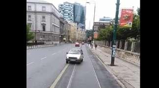 Vozio u rikverc ispred tramvaja
