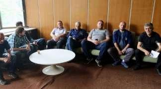 Radnici ''Zraka'' u štrajku: Direktor vodi firmu iz kafane